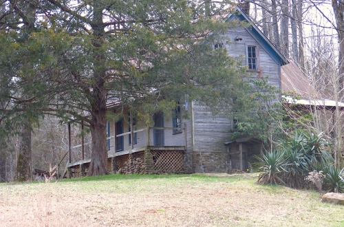 Old mansion on the Piney River